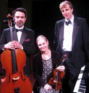 Capital-Trio